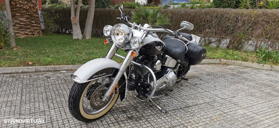 Harley-Davidson Softail Deluxe - 1