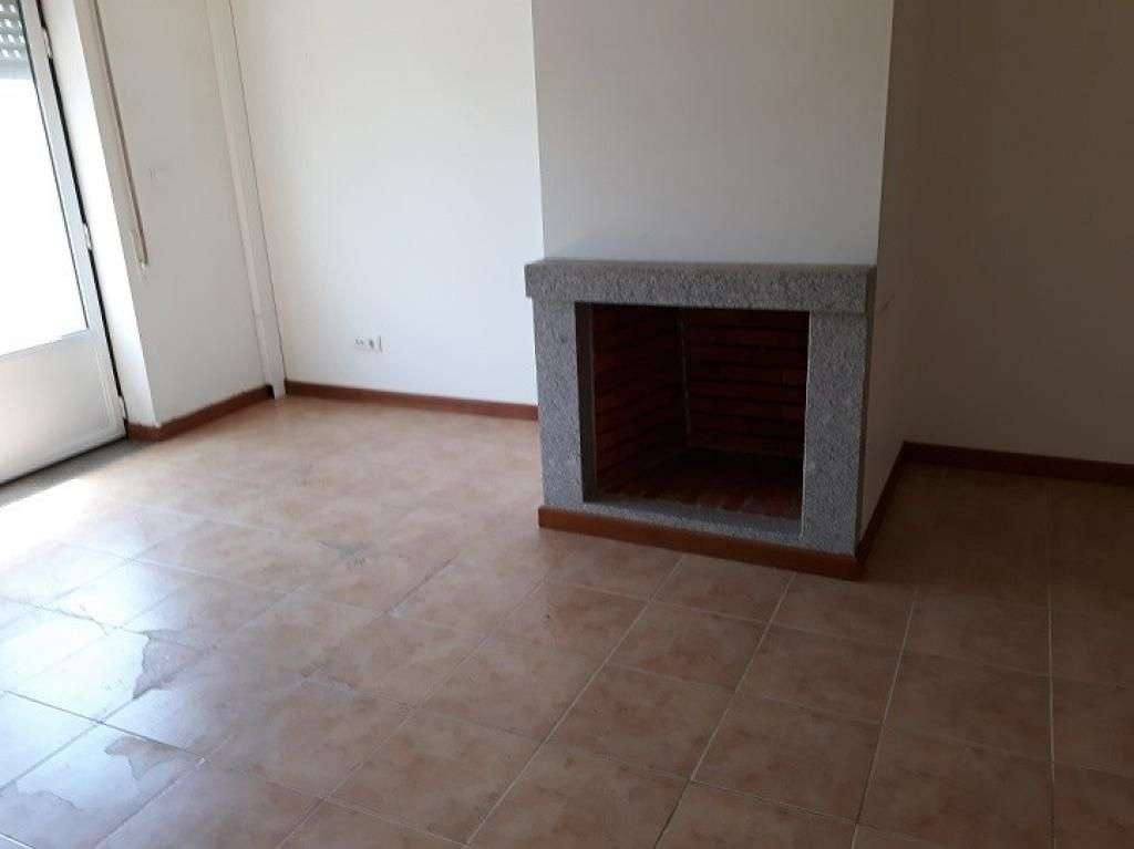 Apartamento para comprar, Santa Comba Dão e Couto do Mosteiro, Santa Comba Dão, Viseu - Foto 2
