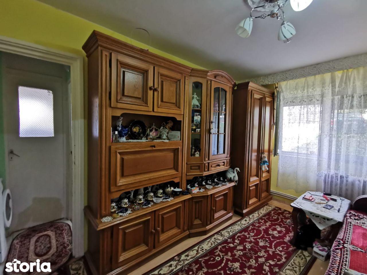 Apartament 2 camere semidecomandat, zona Aleea Streiului, parter, 37mp