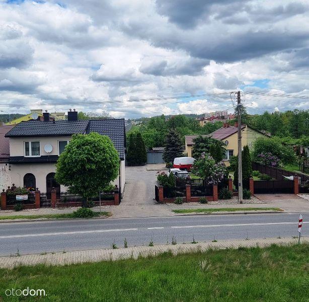 Dwa domy mieszkalne z działką