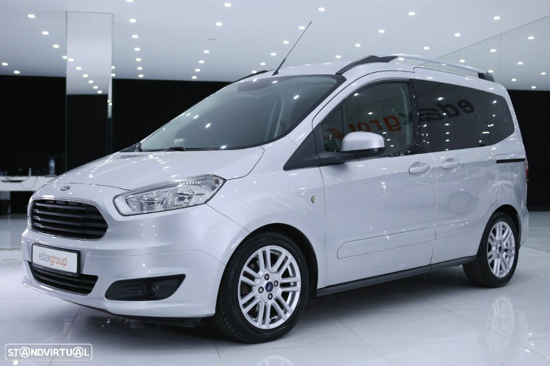 Ford Tourneo Courier 1.5 TDCi Titanium - 10