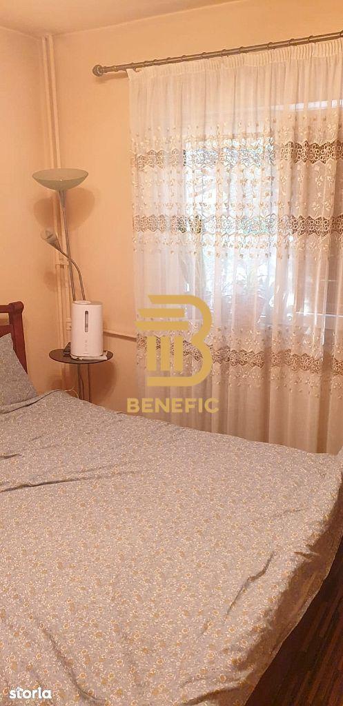 Vanzare apartament cu 3 camere , zona 9 Mai ( id 73)