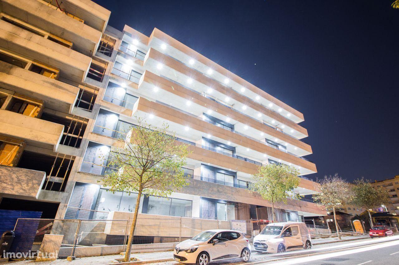 T1 NOVO - terraço (28m2) e garagem - 400m Metro/Avenida República