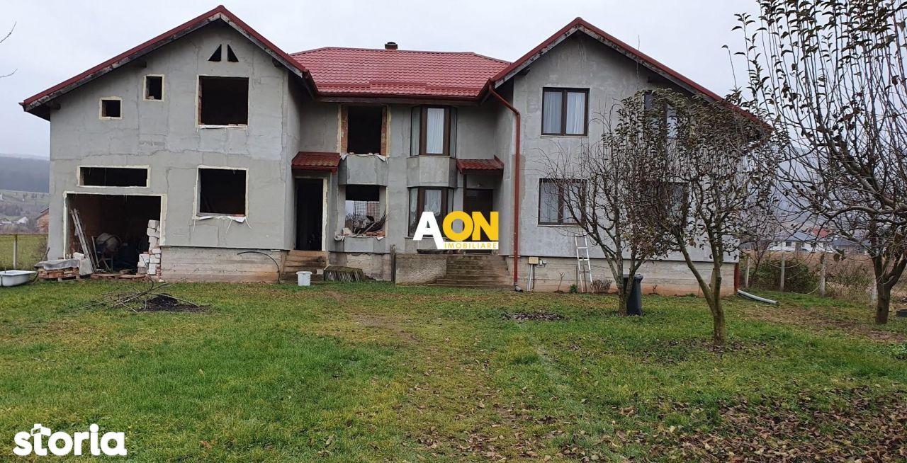 1\/2 Duplex, 5 camere, S+P+M, cu garaj, 576 mp teren,