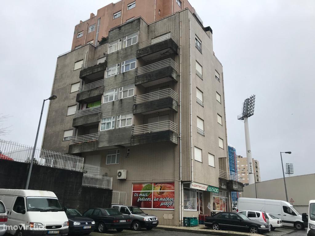 Apartamento T3 c/ o terraço mais bonito da cidade do Marco