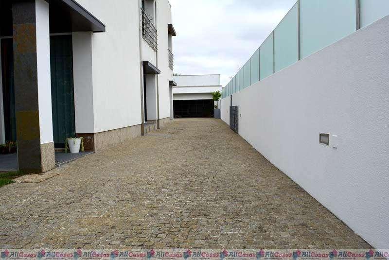 Moradia para comprar, Santa Maria da Feira, Travanca, Sanfins e Espargo, Santa Maria da Feira, Aveiro - Foto 2
