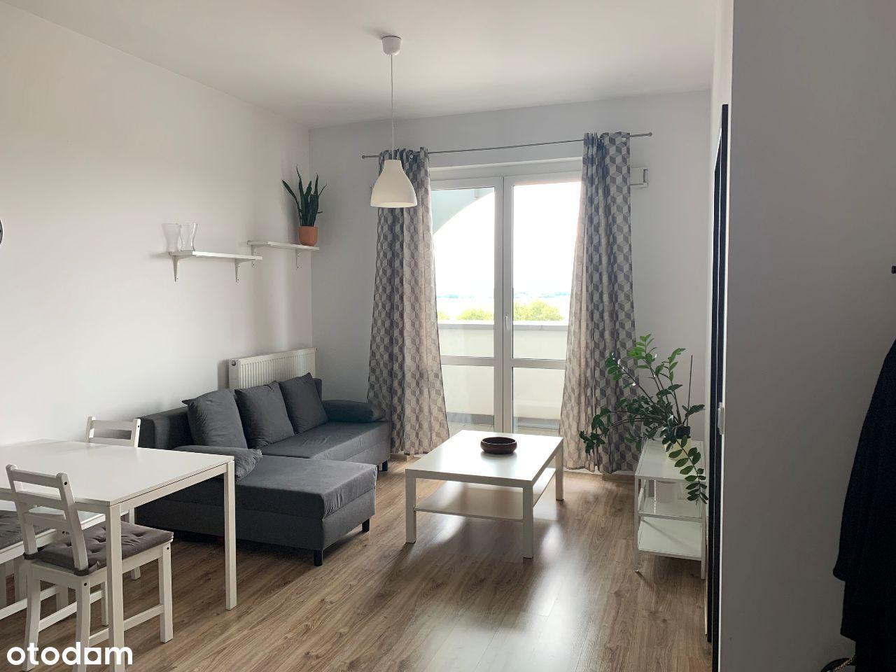 2 pokoje, 41 m2 duży balkon, Kłobucka, wyposażenie