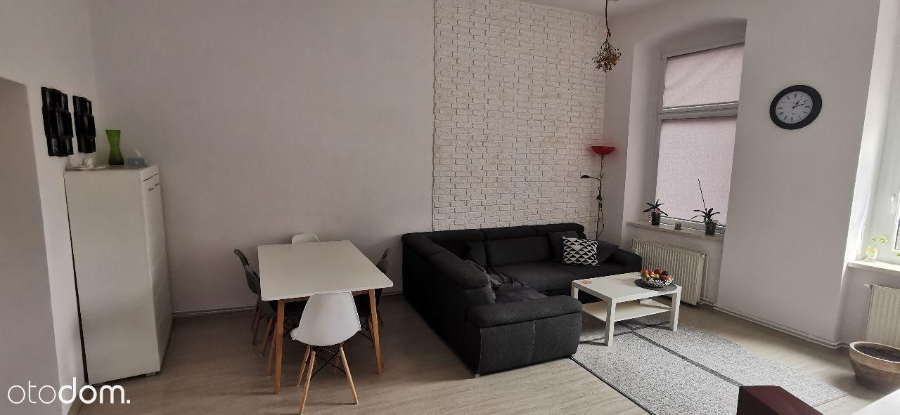3-pokojowe mieszkanie 86,5m2 po remoncie + garaż
