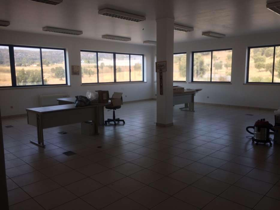 Loja para arrendar, Alcanena e Vila Moreira, Alcanena, Santarém - Foto 2