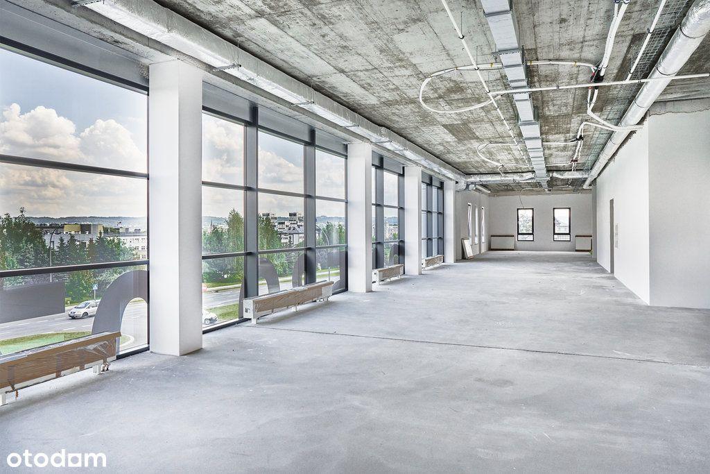 Przestronne biuro pod klucz w prestiżowym budynku