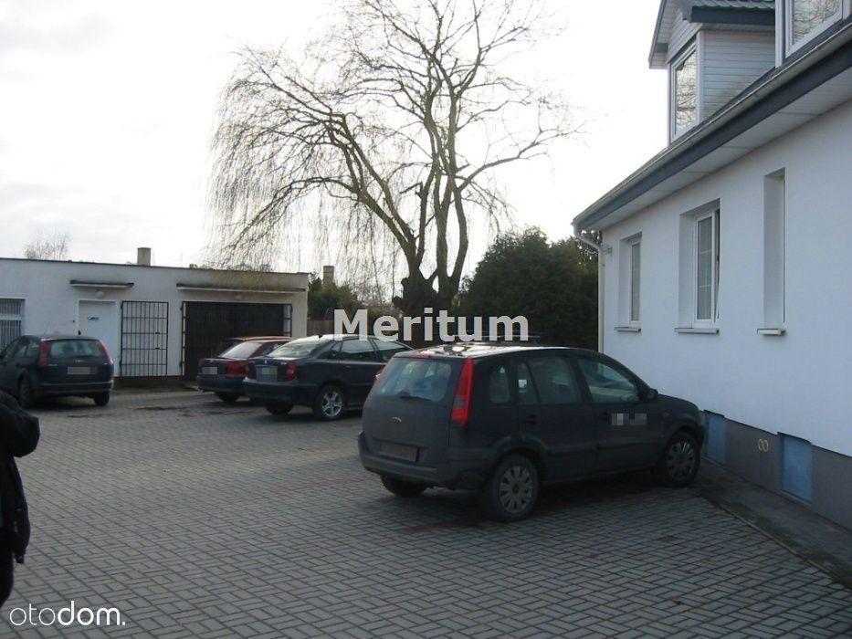 Dom 9 pokoi, garaz parking na 20 aut