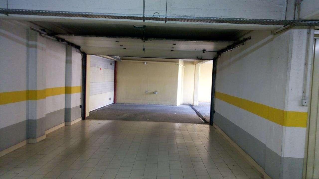 Garagem para arrendar, Rua de Sapadores, São Vicente - Foto 3