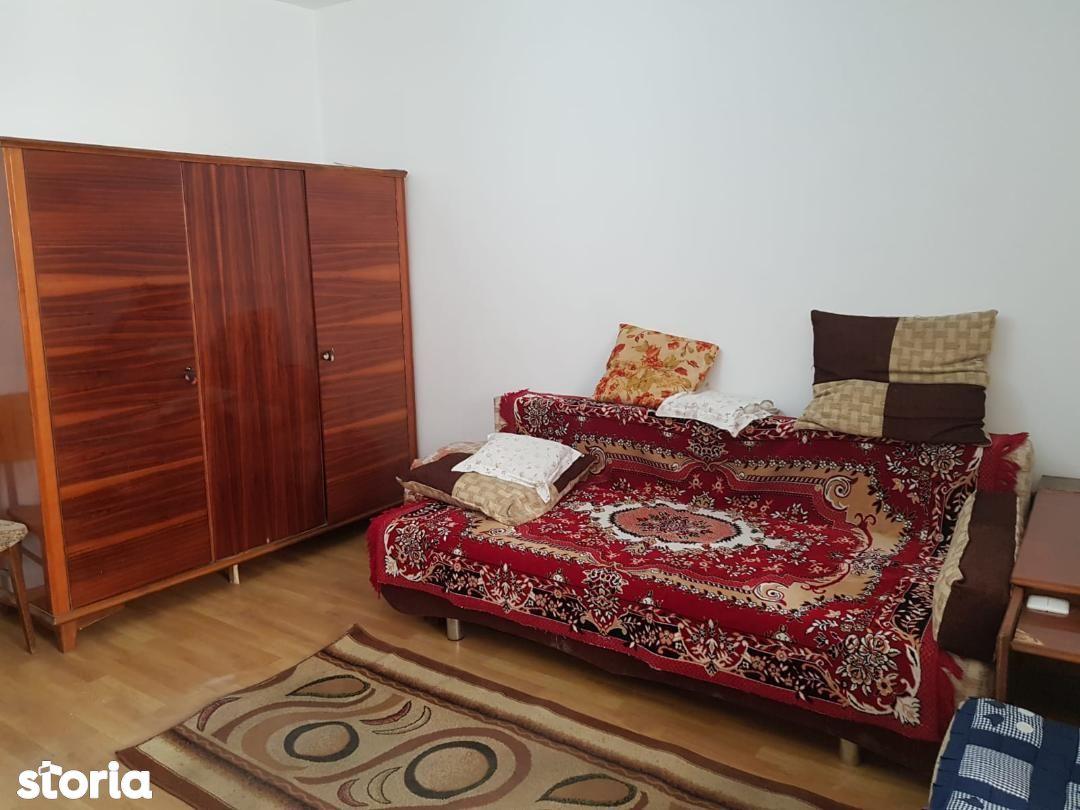 Pantelimon-Bulevardul Chisinau- garsoniera etaj 5