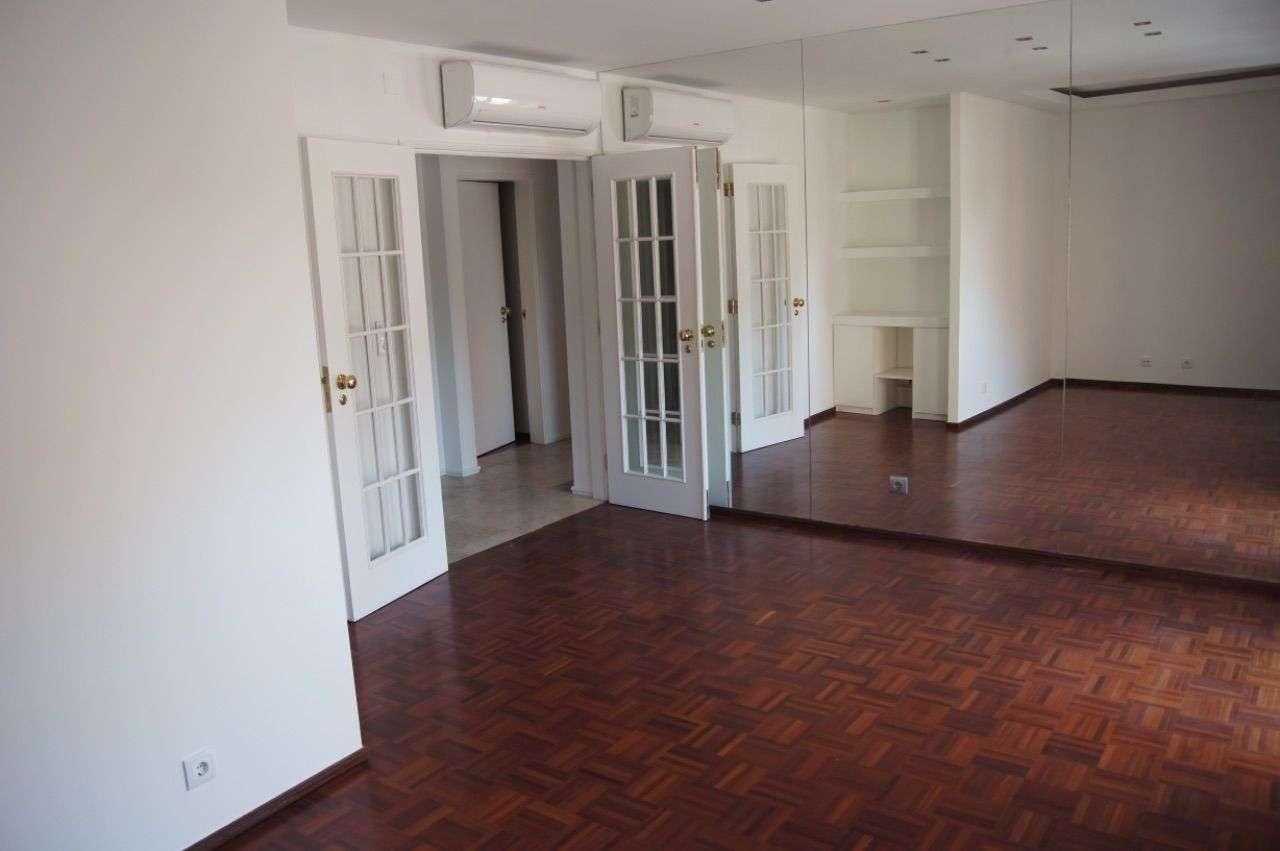 Apartamento para arrendar, Rua Francisco Duarte Pedroso, Algés, Linda-a-Velha e Cruz Quebrada-Dafundo - Foto 1