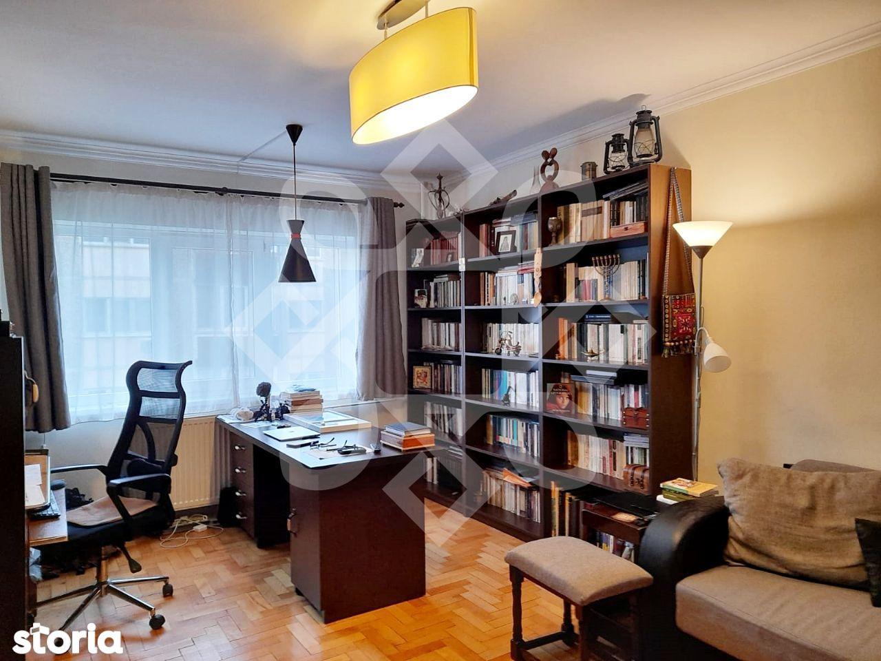 Apartament trei camere de vanzare, PB, zona Decebal, Oradea