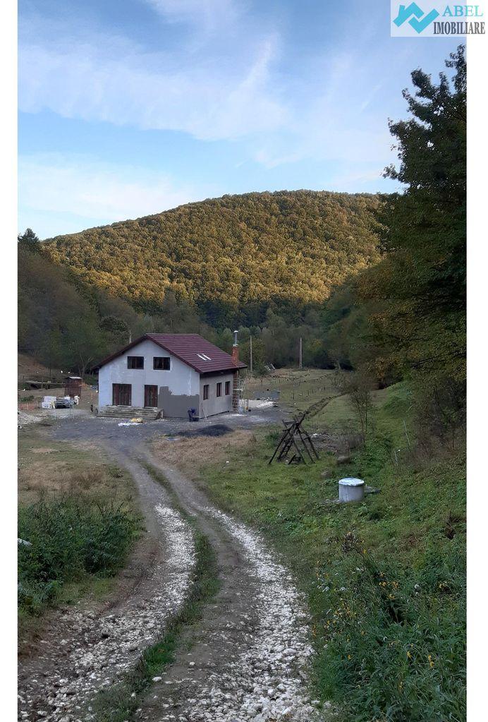 Cabană Agroturistică valea Bozului 6 camere P+M 16.800mp