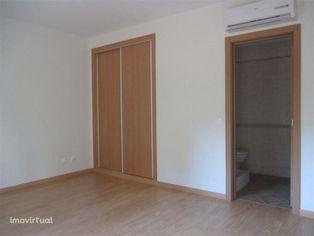 Apartamento T3 a estrear com suite e arrecadação