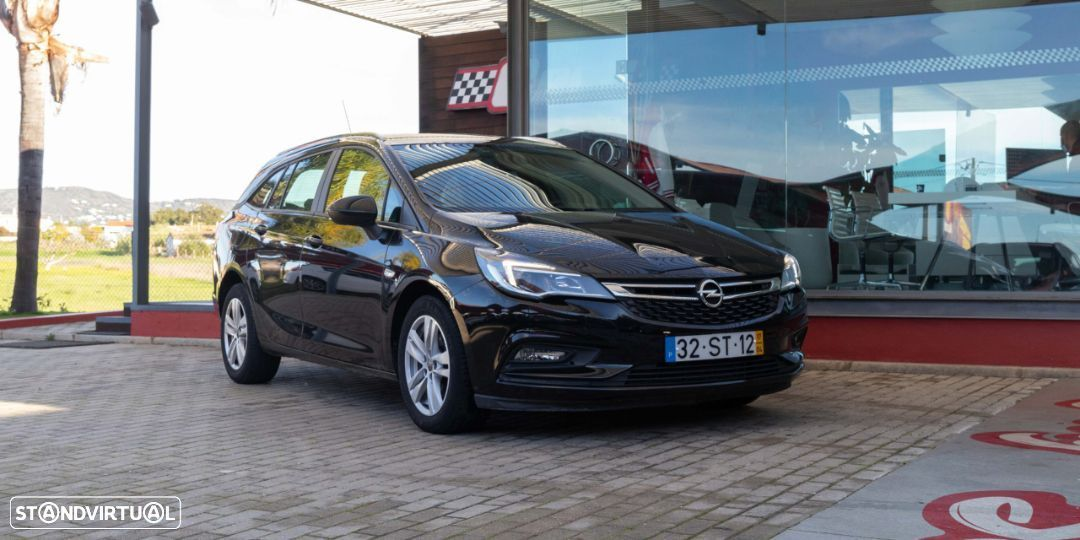 Opel Astra Sports Tourer - 11
