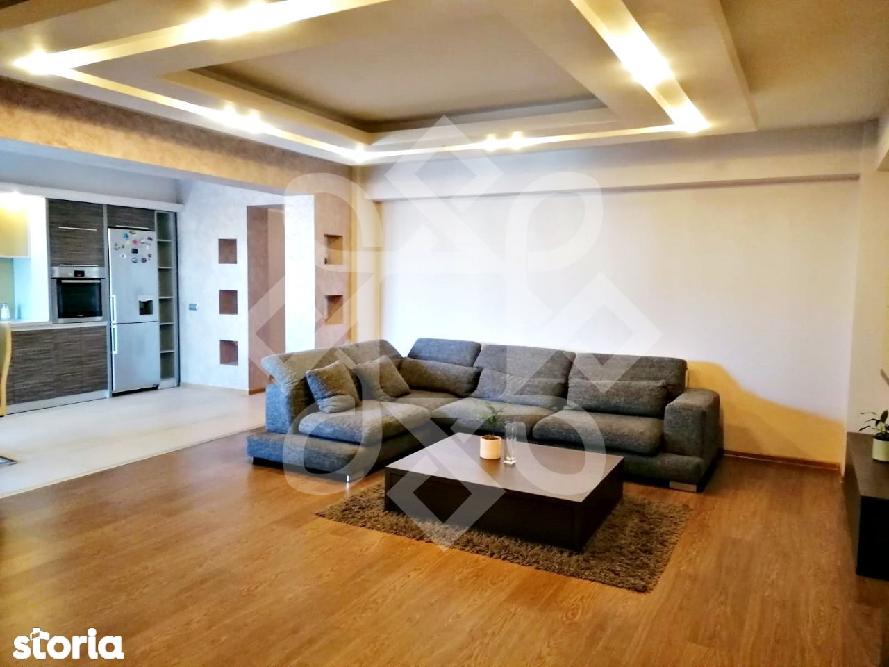 Apartament trei camere de vanzare, Nufarul Plaza, Oradea AV084