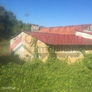 Moradia para reconstruir - Redinha