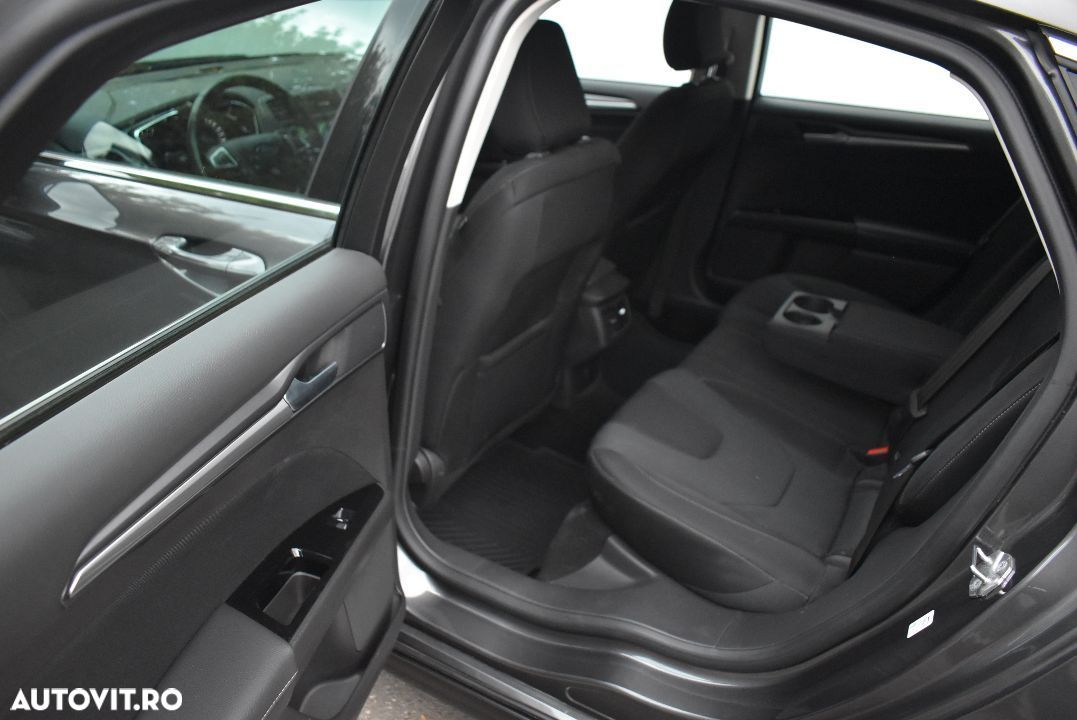 Ford Mondeo 1.5 - 10
