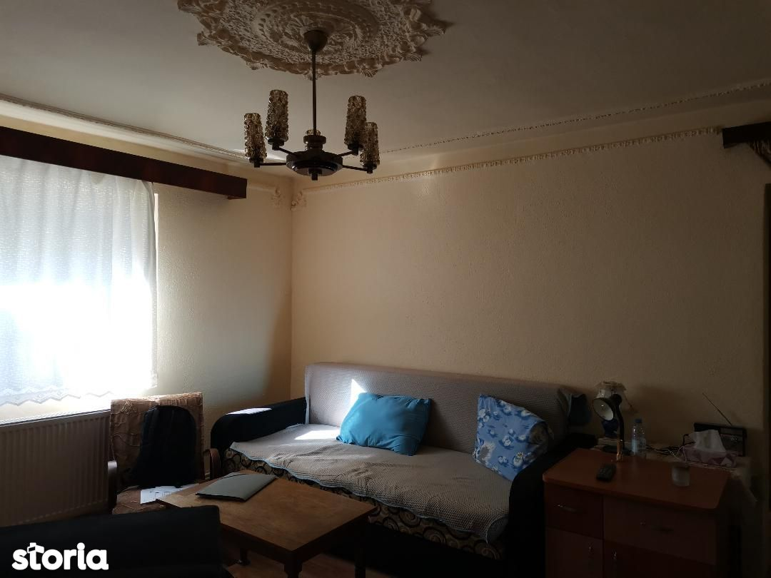 Apartament 2 camere Etaj 1 de vanzare