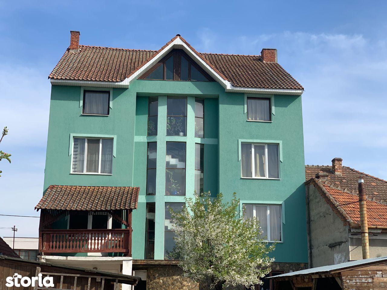 Vanzare casa, Zona Dorobantilor Oradea,494 mp,teren,425 mp utili,