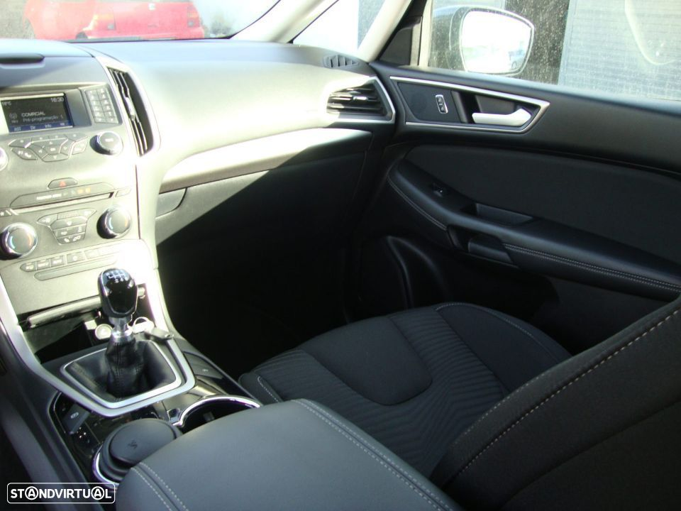 Ford S-Max 2.0 TDCi Trend - 32