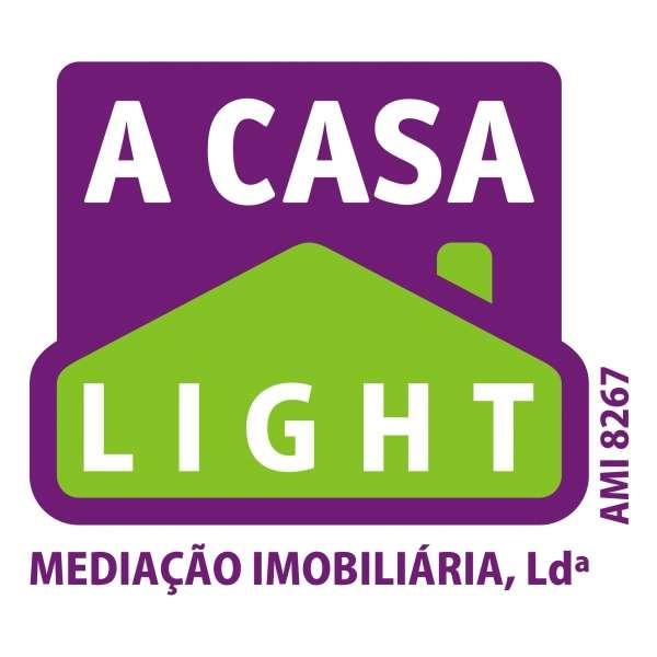 Este apartamento para comprar está a ser divulgado por uma das mais dinâmicas agência imobiliária a operar em Albufeira e Olhos de Água, Faro