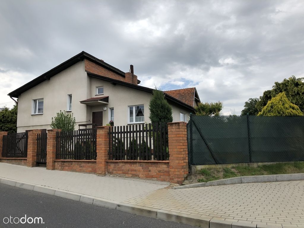 Dom, 150 m², Śrem