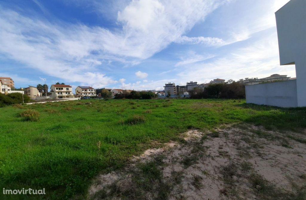 Lote terreno urbano com 158M2 em Buarcos (V521PL)