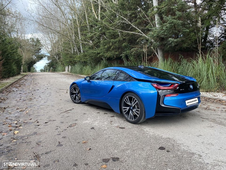 BMW i8 e-Drive Blue Protonic - 13