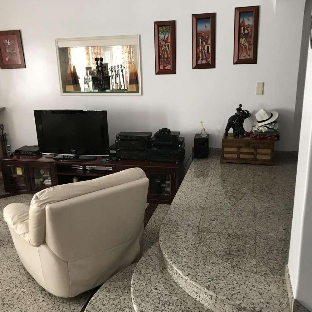 Moradia para comprar, Charneca de Caparica e Sobreda, Almada, Setúbal - Foto 3