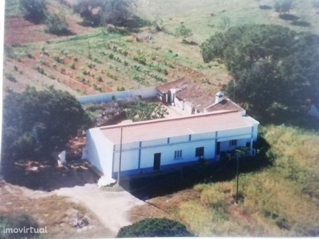 Quinta em Vale Pegas-Paderne