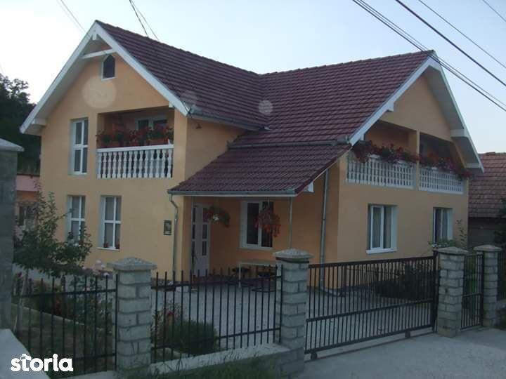 Casa in apropiere de Zalau