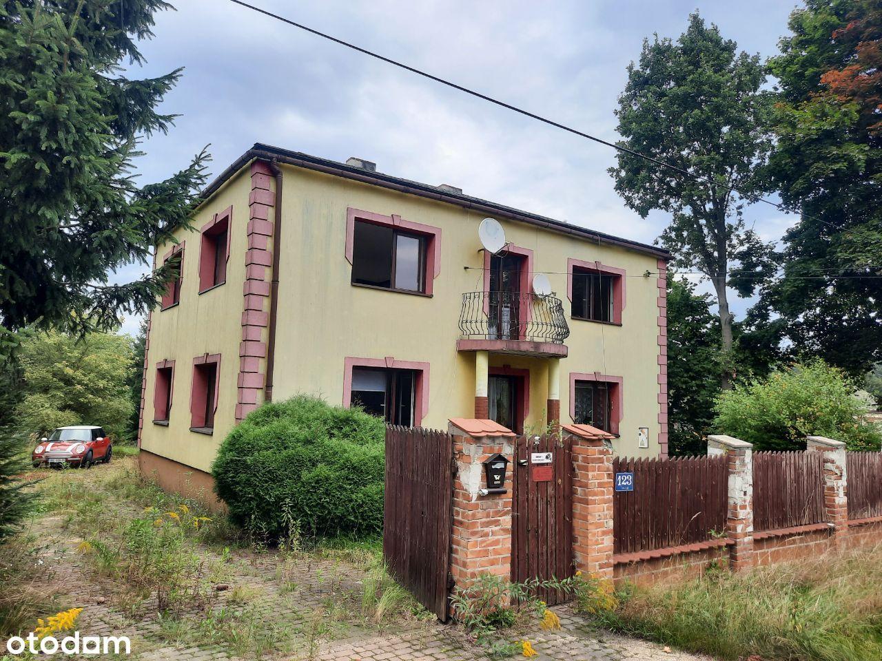Dom Siedlec Duży 20 km od Częstochowy, Garaż.