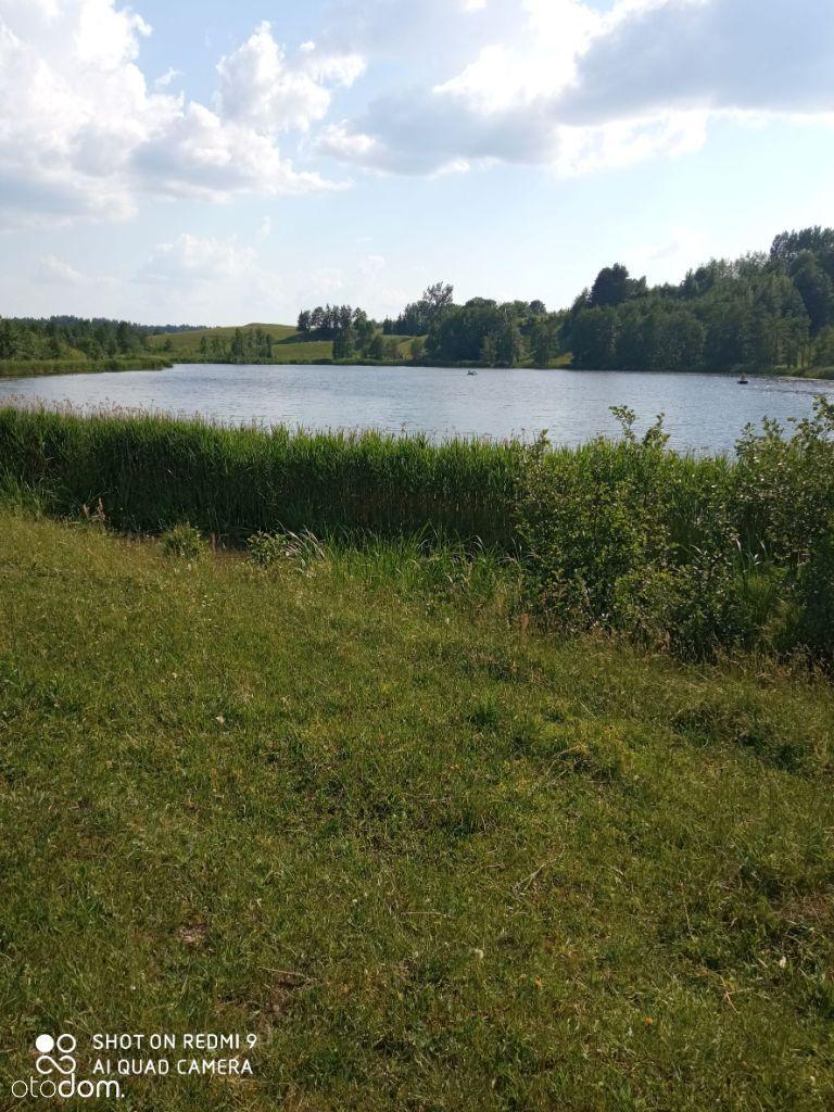 Sprzedam pole z dostępem do jeziora