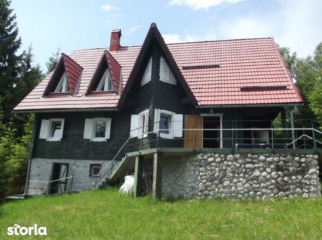Casa Cocheta De Vanzare in Drumul Carului
