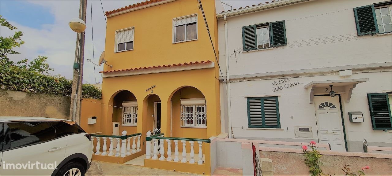 Moradia as portas de Lisboa, Santa Clara