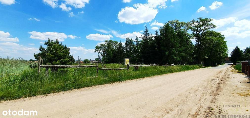 Działka w sąsiedztwie parku i nowych zabudowań