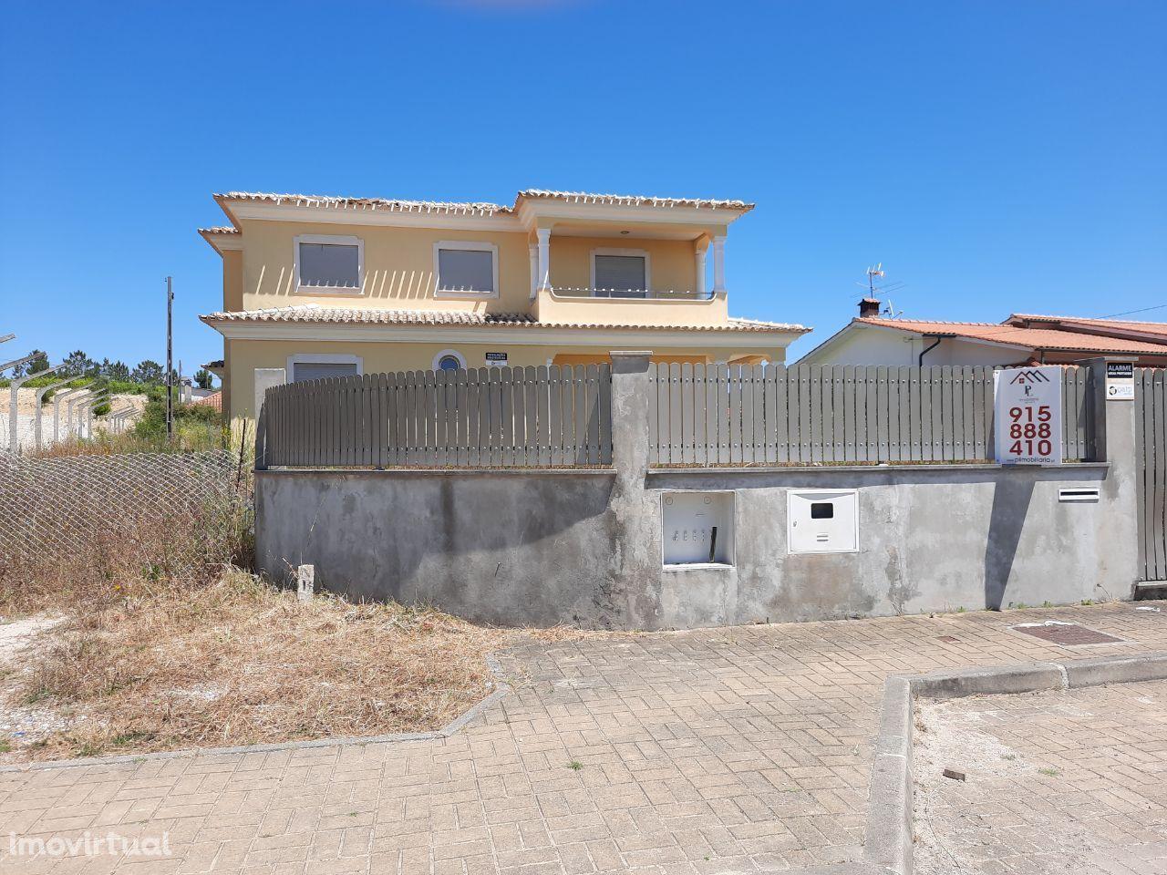 Moradia isolada M5 em Souselas (V390PL)