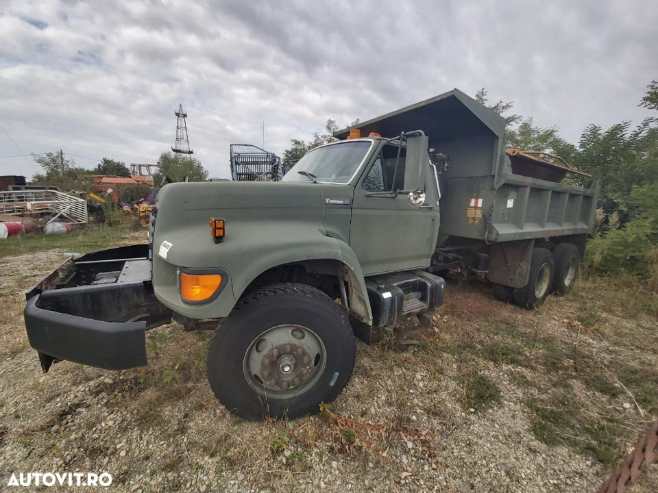Ford F800 - 8