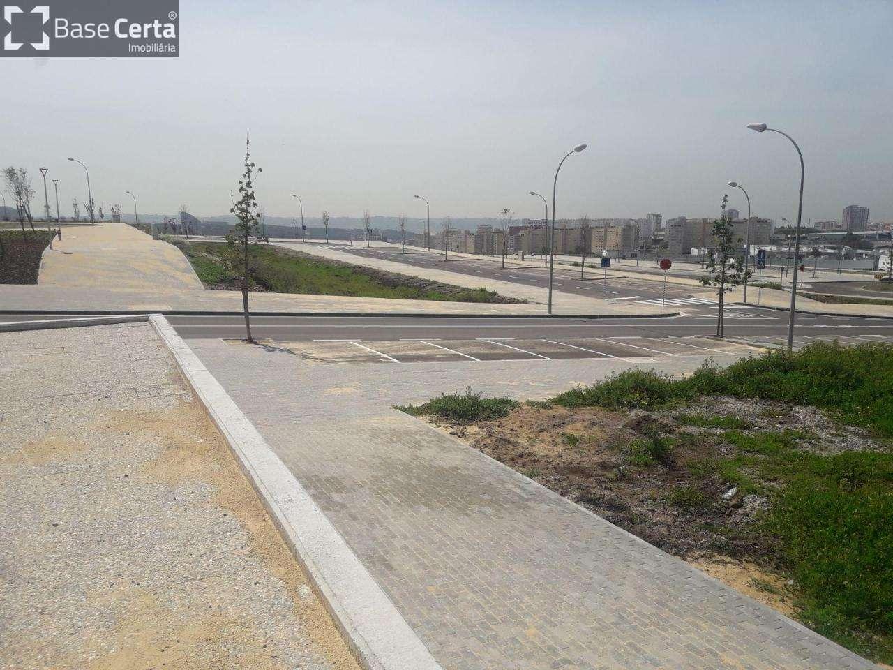Terreno para comprar, Carnaxide e Queijas, Lisboa - Foto 2