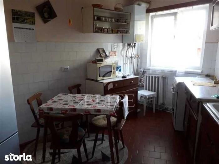 Vanzare apartament 4 camere in MANASTUR zona Mehedinti