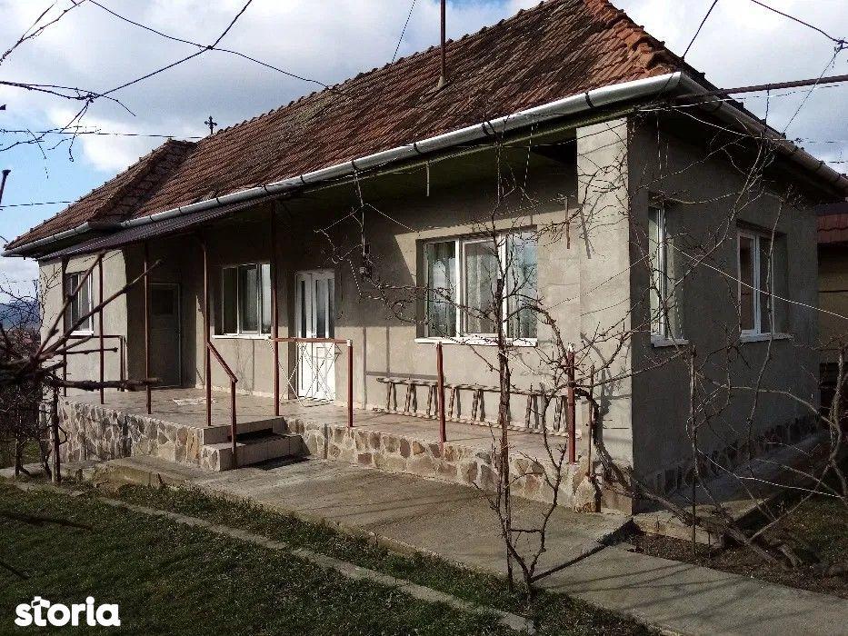 Ernei, casa buna cu 3 camere, 600 mp teren