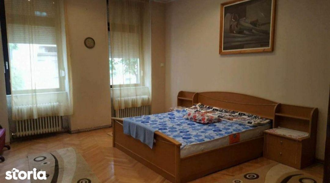 Casa la curte comuna, ultracentral, 86 utili, Cuza Voda, Oradea