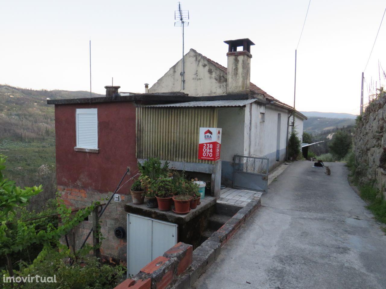 Moradia, 2 quartos, Santa Ovaia