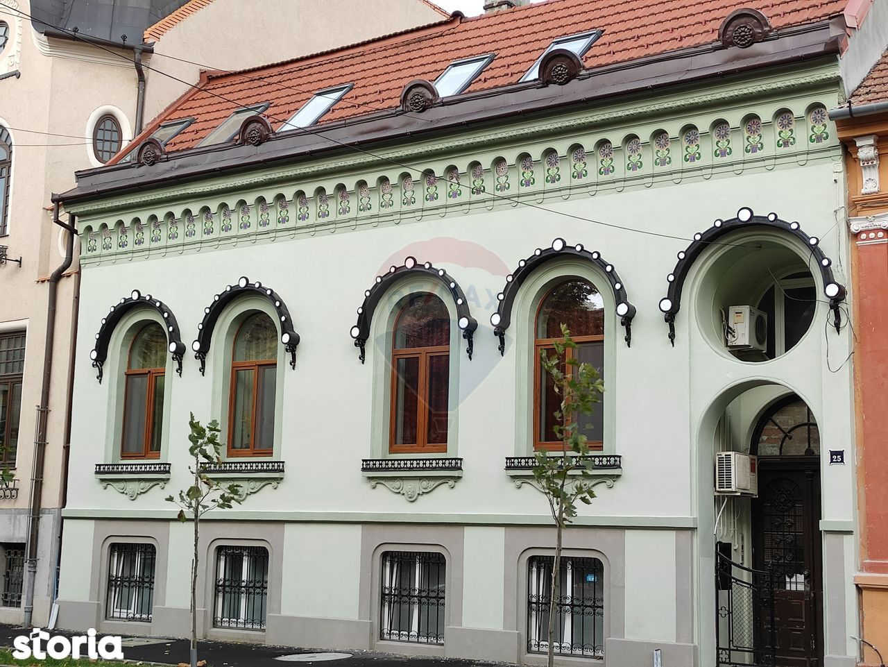 Apartament cu 4 camere de vânzare în zona Ultracentral
