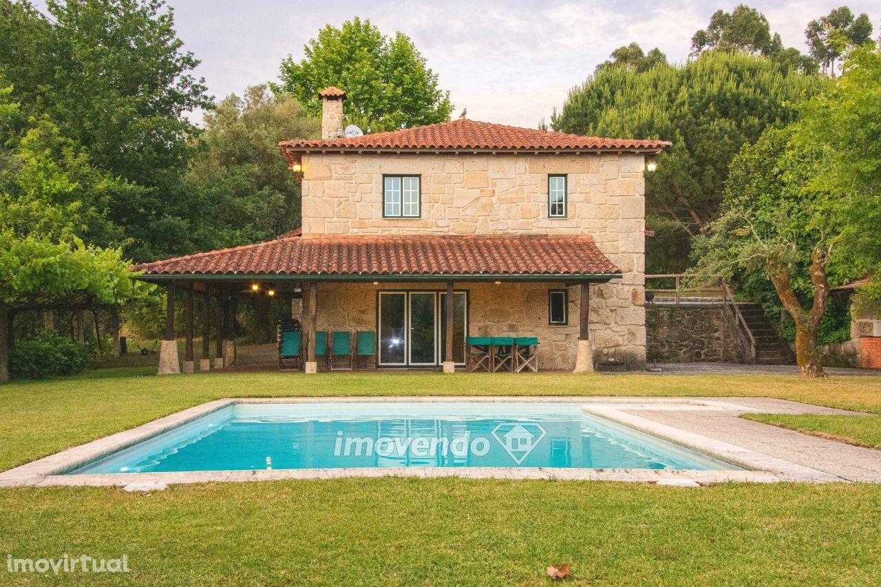 Moradia isolada T2, mobilada e com piscina, em Arcos de Valdevez