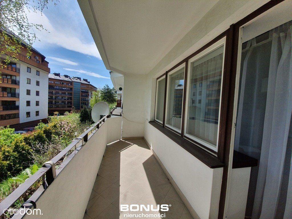 Duży balkon, piwnica, 2 pokoje - 53m2